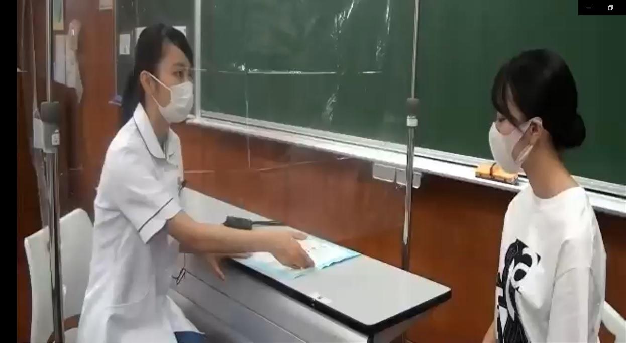 成人看護学実習Ⅰ(学内実習)の様子