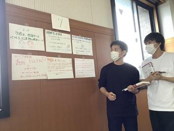 地域福祉の理論と方法の授業風景 ~KP(紙芝居プレゼンテーション)法を用いた学生同士の学び合い~